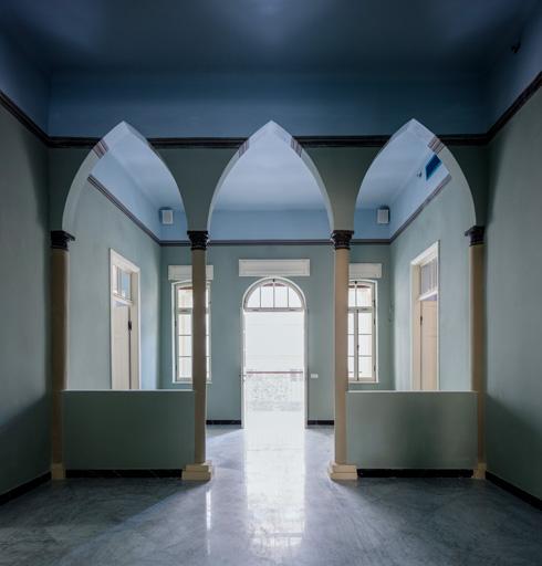 מבנה הקומה השנייה זהה לזה של קומת הקרקע (צילום: אינסה ביננבאום)