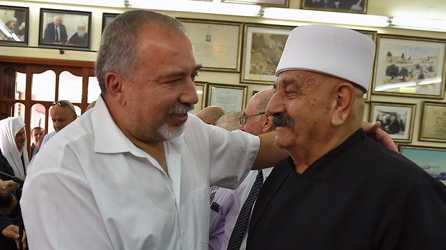 Israeli Foreign Minister with members of the Druze community (Photo: Ariel Harmoni)