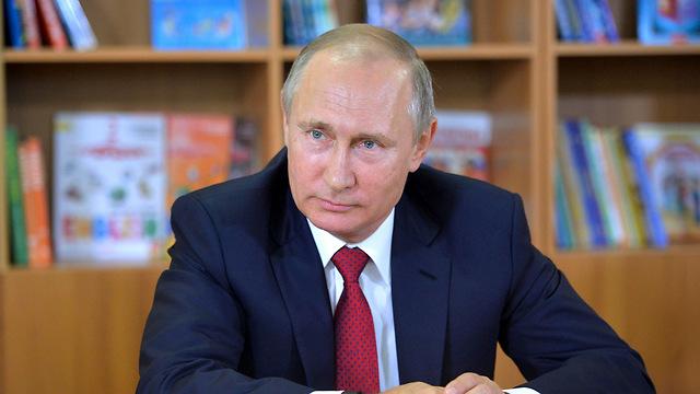 ביטל פגישה עם נשיא צרפת. פוטין (צילום: AP) (צילום: AP)