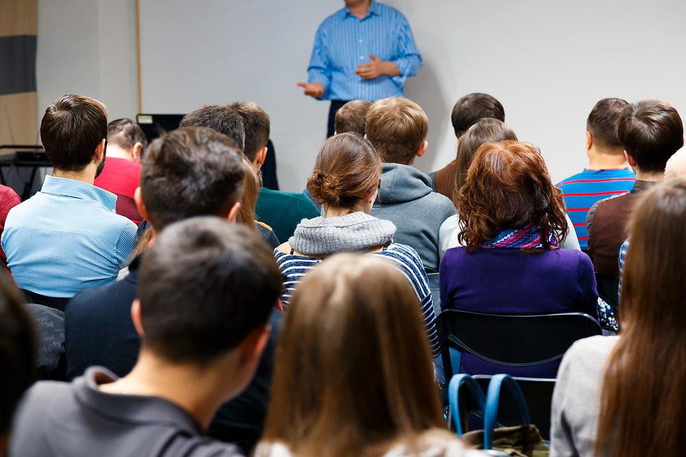 """לעיתים בכיתות י""""א ו-י""""ב הדעות הקדומות כבר מבוססות מדי וקשה יותר לשנותן. אילוסטרציה (צילום: Shutterstock)"""