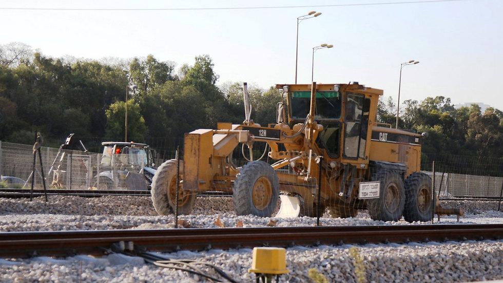 עבודות ברכבת ישראל  ( צילום: אבי מועלם ) ( צילום: אבי מועלם )