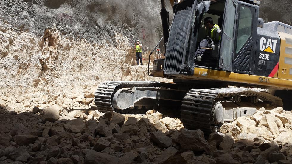 העבודות בעיצומן, בתקציב של כ-200 מיליון שקל ובשיתוף חברה שהתמחתה בבנייה תת-קרקעית למערכת הביטחון (צילום: גיא נרדי)
