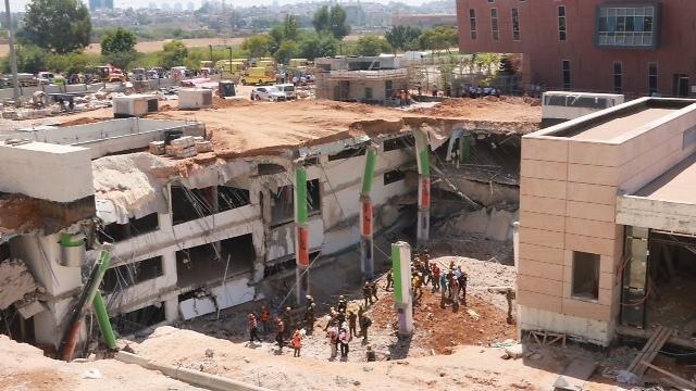 Collapsed construction site (Photo: Dana Kopel)