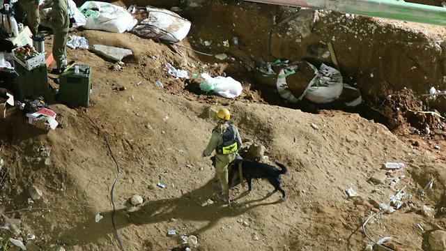 Searches continue for people trapped (Photo: Avi Mualem) (Photo: Avi Muallem)