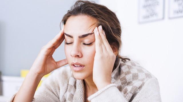 כאבי ראש אחרי הנגאובר. אפילו יותר מ-24 שעות (צילום: shutterstock ) (צילום: shutterstock )
