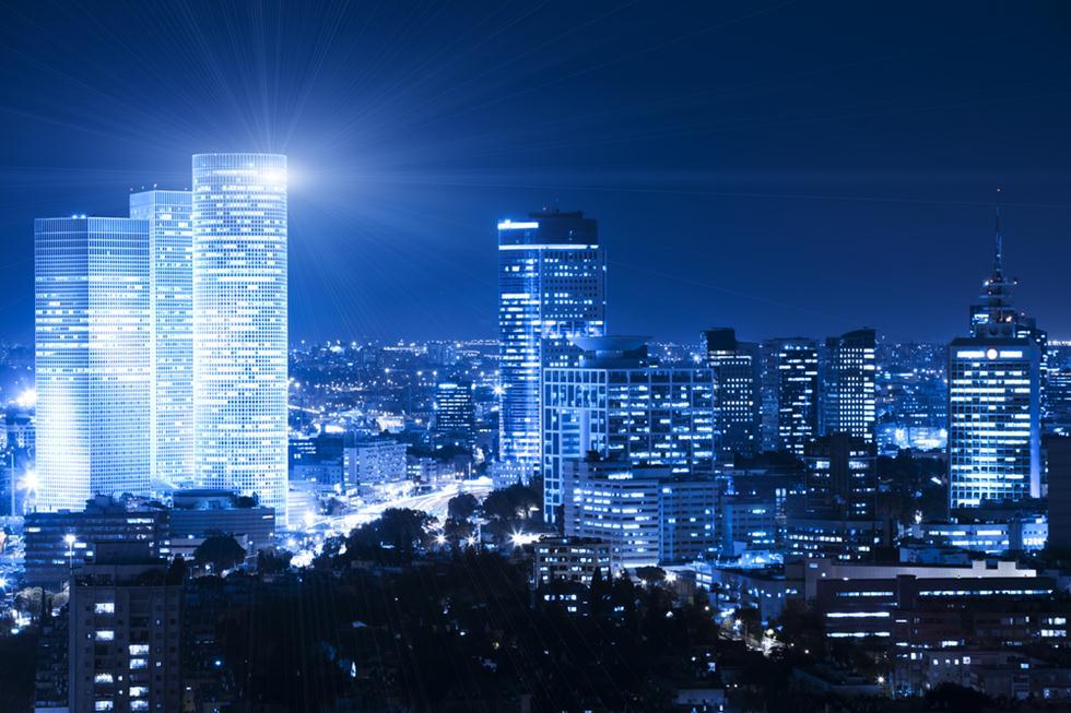 עיר מוארת ללא הפסקה. תל אביב בלילה (צילום: shutterstock) (צילום: shutterstock)