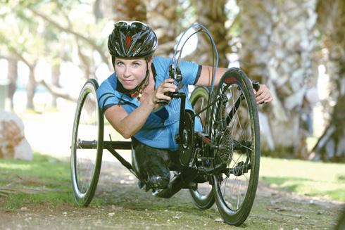 בלונדון 2012 הגיעה למקום השישי במירוץ אופני יד (צילום: צביקה טישלר)