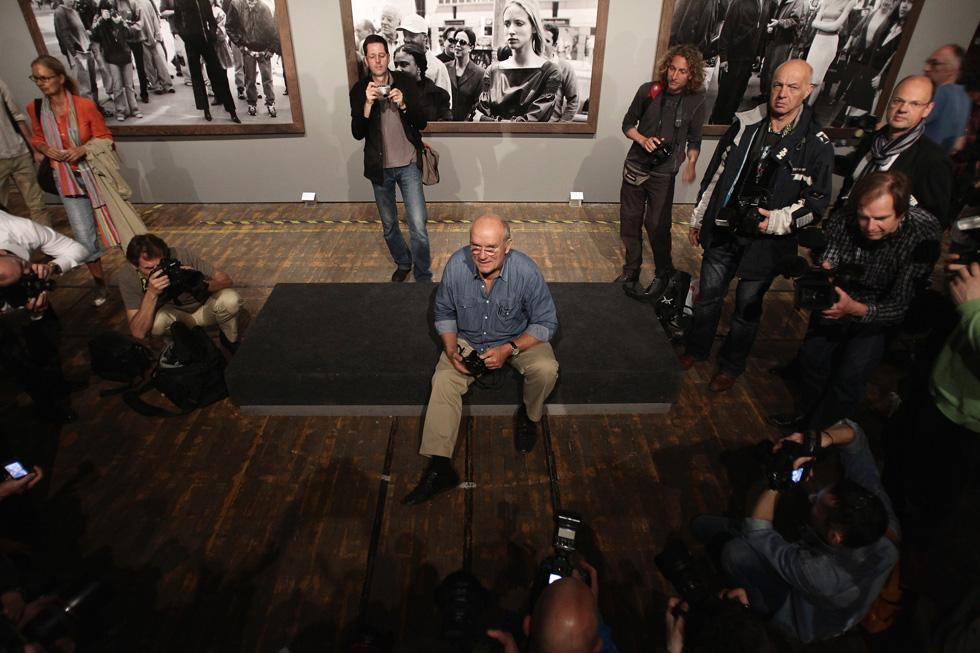"""פיטר לינדברג. """"איש מאוד חם, אבהי, לא לוחץ ונעים. הוא היה נטול פוזה של צלם אופנה, וכשבאת לעבודה איתו היה כבוד"""", אומרת מיקי ממון (צילום: Gettyimages)"""