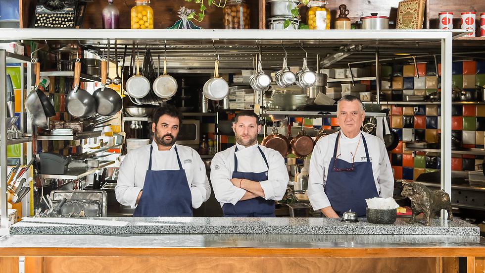 """קבוצת """"מחניודה"""" (מימין לשמאל): יוסי אלעד, אסף גרניט, אורי נבון (צילום: יהב יעקב) (צילום: יהב יעקב)"""