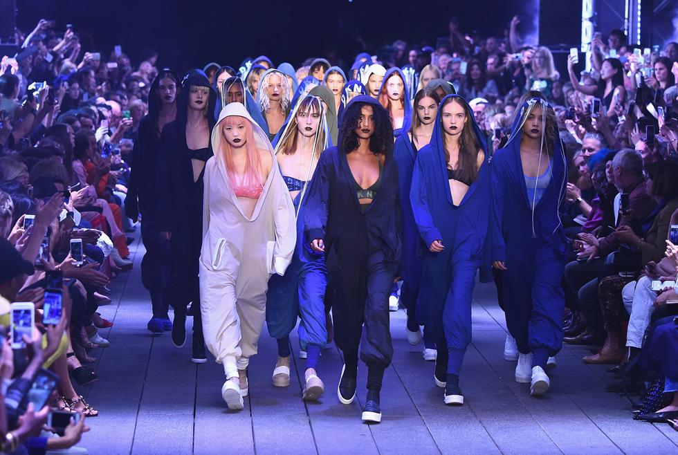 הדוגמניות הבולטות של הרגע בתצוגה אחת. DKNY (צילום: Gettyimages)