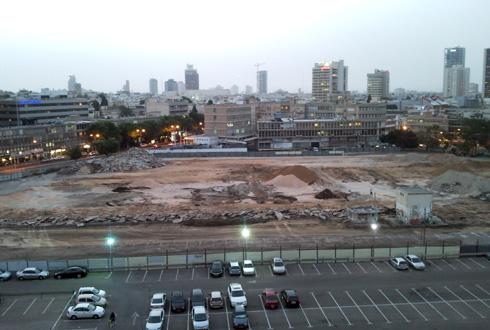 אחרי הריסת השוק הסיטונאי, התפנה שטח עצום ויקר בלב ת''א. 8 דונם ממנו עמדו לשמש כמבנה ציבור (צילום: רותם שמחה, cc)