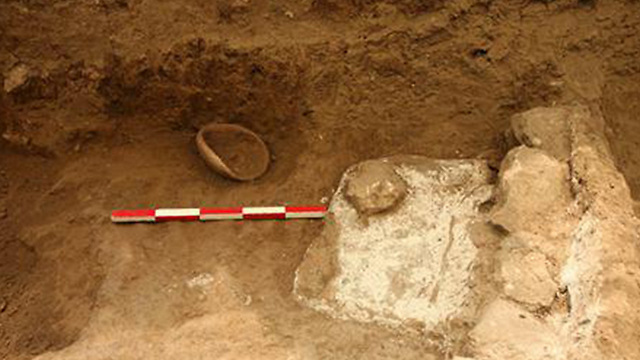 החפירות בגן לאומי אכזיב ()