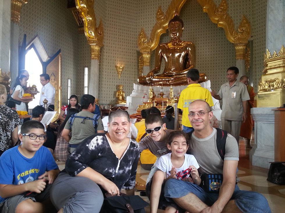 """בנגקוק, תאילנד. """"כל אדם עם הכנסה סבירה יכול לצאת למסע כזה"""" (צילום: ניצן עיני)"""