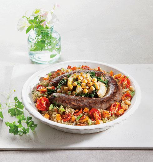 קדרת מסרן וארטישוק חגיגית, מוגשת עם תבשיל קינואה ועגבניות (צילום: דני לרנר מתכון וסגנון: מיכל לוי אלחלל)