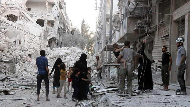 Since the agreement was signed, Aleppo looks more and more like destructed Stalingrad (Photo: AFP) (Photo: AFP)