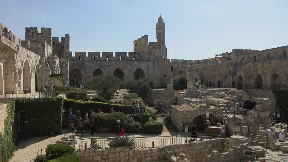 עלייה בתיירות לישראל למול מחסור בתקציבים (צילום: אלי מנדלבאום) (צילום: אלי מנדלבאום)