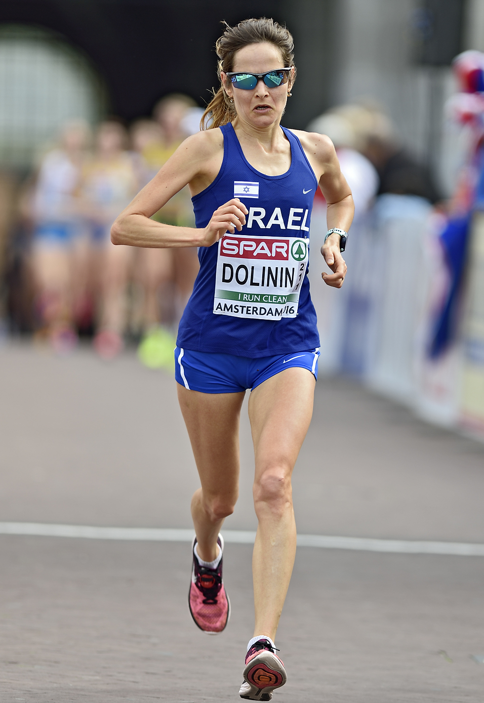 תרוץ באליפות העולם. ילנה דולינין (צילום: : טיבור יגר) (צילום: : טיבור יגר)