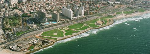 """השטח שבו ישולב המבנה החדש (באדיבות עיריית ת""""א-יפו)"""