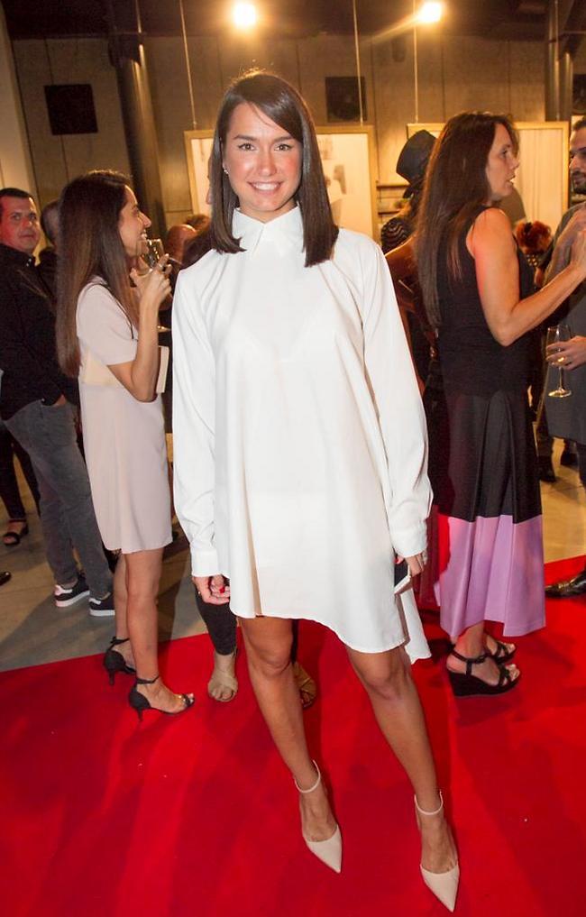 רומזת למאץ' משהו עם השמלה הלבנה? אדל בספלוב (צילום: רפי דלויה)