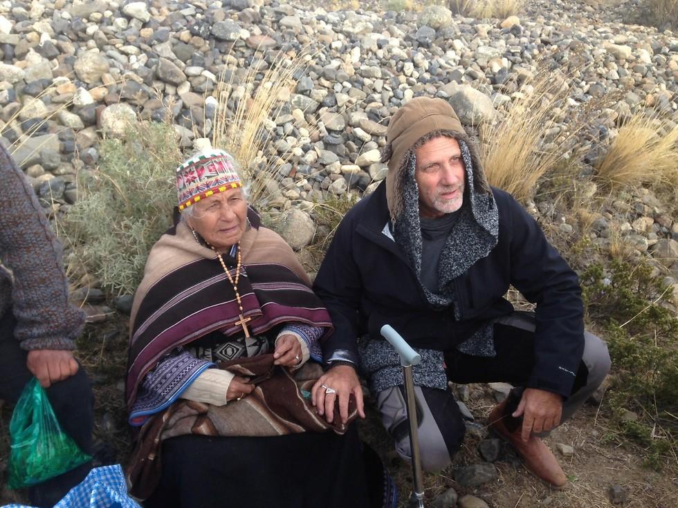 יוסי גינסברג והשמאנית 'דונה אמה' (צילום: ניר פדרבוש)