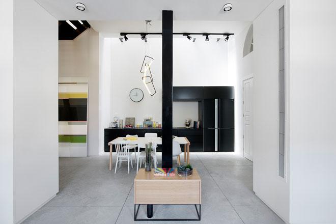 בדירה יפואית שעיצבו מיכל שטיינפלד ורוני דביר (צילום : גדעון לוין)