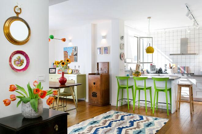 שטיח גם במעבר, בדירה שעיצב גילי אונגר (צילום: שירן כרמל)