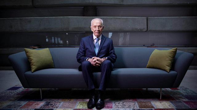 Shimon Peres. 'He would work from the morning to the late hours of the night' (Photo: AP)