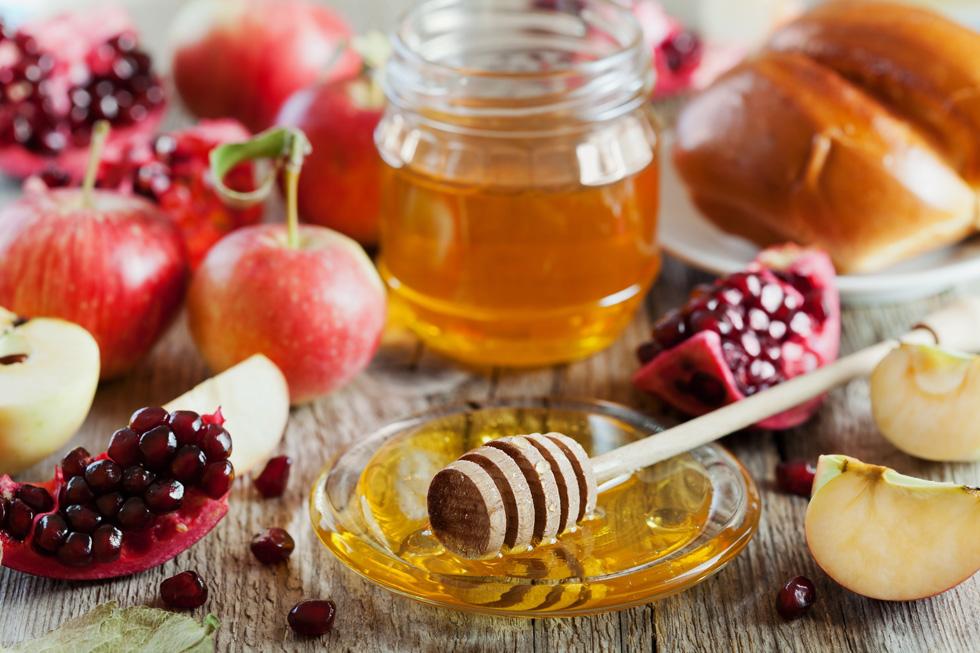 רימונים ותפוחים הם לא סתם מזונות, הם מזונות-על שכדאי לאמץ כל השנה (צילום: Shutterstock)