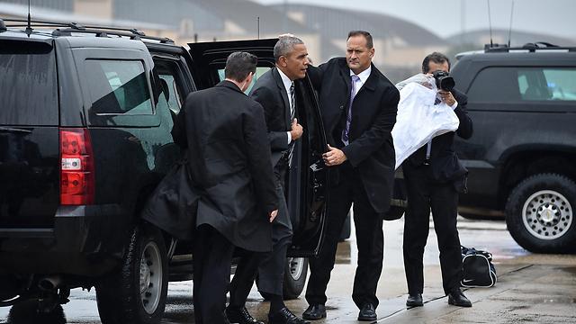 הסופה בוושינגטון הביאה לעיכוב בהמראתו (צילום: AFP)