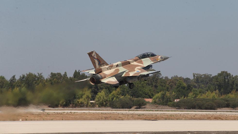 An F-16 takes off. (Photo: Gadi Kabalo)