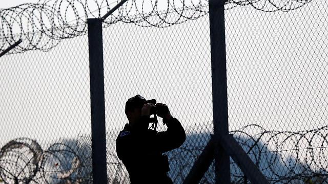 גדר תיל בגבול ההונגרי עם סרביה (צילום: רויטרס) (צילום: רויטרס)