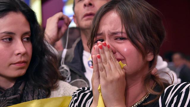 הלם בקולומביה לאחר משאל העם (צילום: AFP)