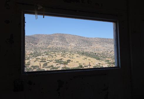 זה הנוף מהבסיס הנטוש. חמאם אל-מליח (צילום: מיכאל יעקובסון)