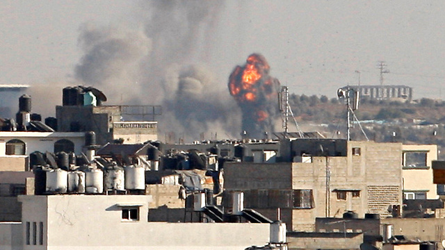IDF's response to rocket fire from Gaza, Wednesday (Photo: Reuters)