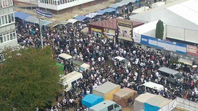 Crowds in Uman