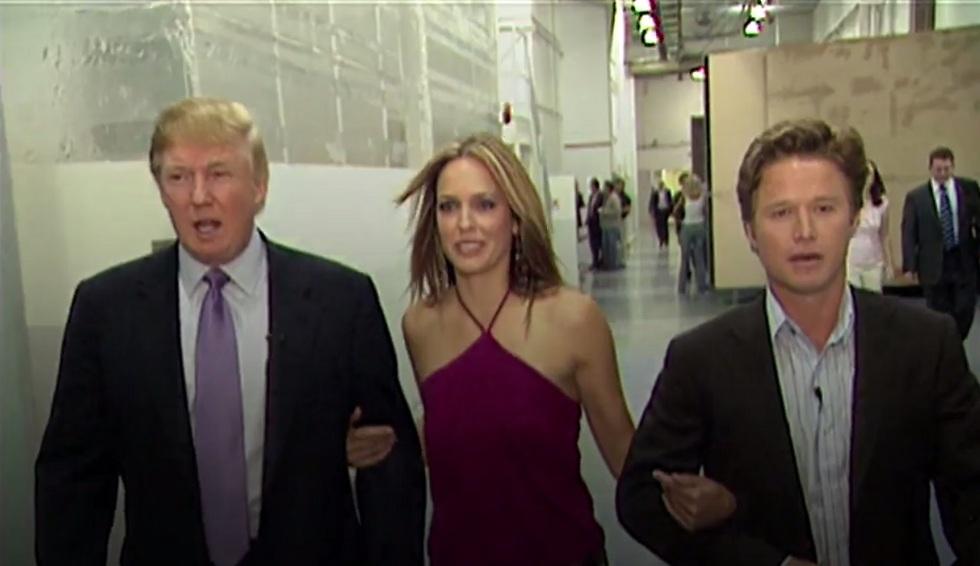 """""""רגליים יפות, הא?"""". טראמפ, בילי בוש ואריאן זוקר על הסט של """"ימי חיינו"""" (צילום מסך)"""
