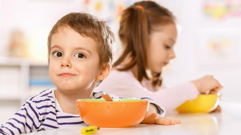 הקפידו על תזונה בריאה לילדים (צילום: shutterstock) (צילום: shutterstock)