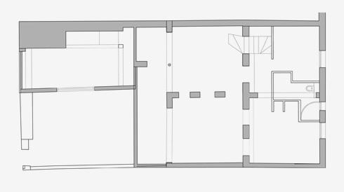 תוכנית קומת הכניסה והמפלס התחתון, לפני השיפוץ (שרטוט: יונתן קנטי)