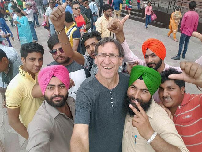 """""""אני אוהב את המנטליות ההודית ומאוד מתחבר לאנשים"""". הקליקו על התמונה (צילום: מתוך האלבום הפרטי)"""