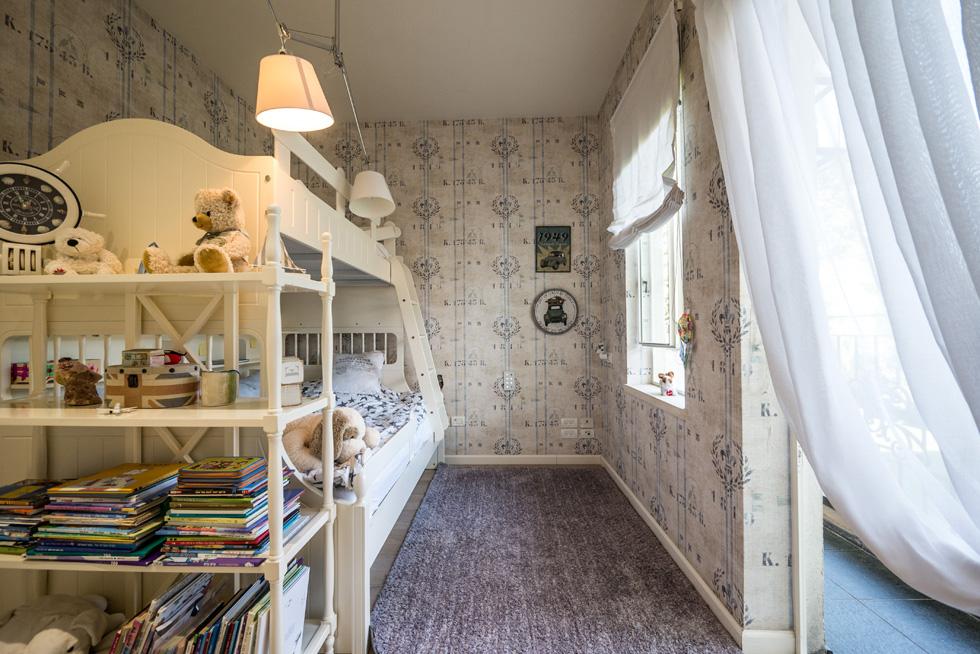 בקומה העליונה: חדרי השינה של כל בני המשפחה (צילום: איתי סיקולסקי)