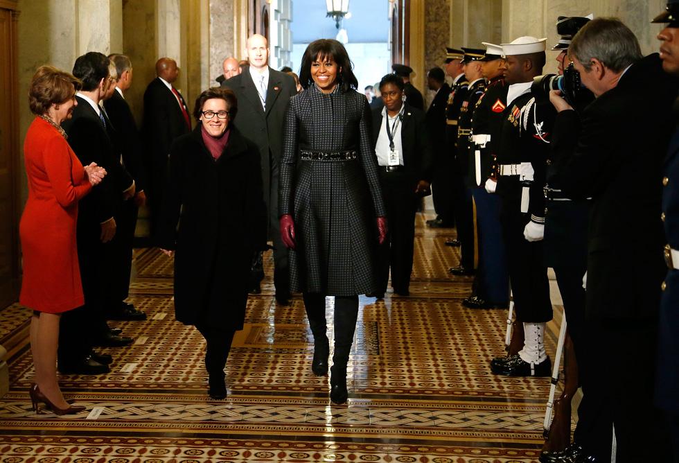 מאחורי כל בחירת לבוש ניצבת אמירה. מישל אובמה לובשת J.Crew  (צילום: Gettyimages)