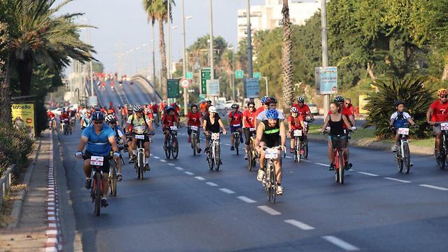 מרוץ אופניים בתל אביב. ארכיון (צילום: מוטי קמחי)