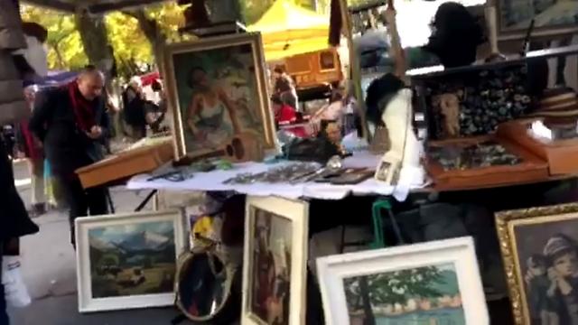 להרגיש מקומי בשוק דברי ידי שנייה בימי שבת (צילום: מיכל קוגן) (צילום: מיכל קוגן)