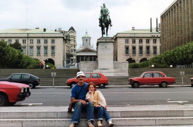 """עם אביה גדעון ז""""ל, 1987. """"היינו החברים הכי טובים"""" (צילום: מתוך האלבום הפרטי)"""