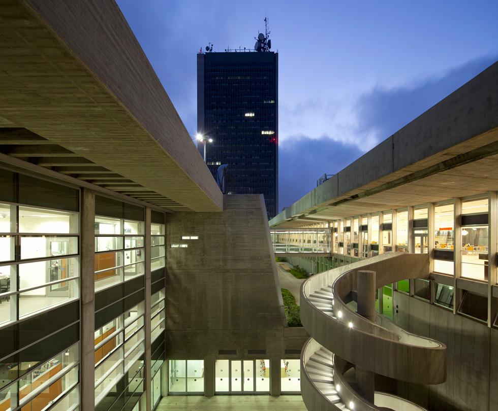 ספריית יונס וסוראייה נזריאן באוניברסיטת חיפה, בתכנון אסף לרמן. זהו סיבוב שני של הפרויקט בתחרות, לאחר שהתמודד ב-2011, בטרם הושלם (צילום: עמית גרון)