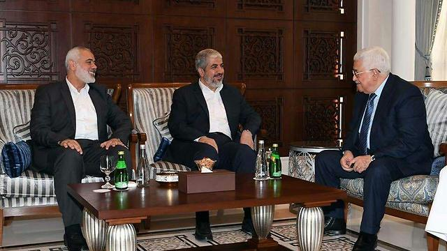 From right to left: Mahmoud Abbas, Khaled Mashal and Ismail Haniyeh