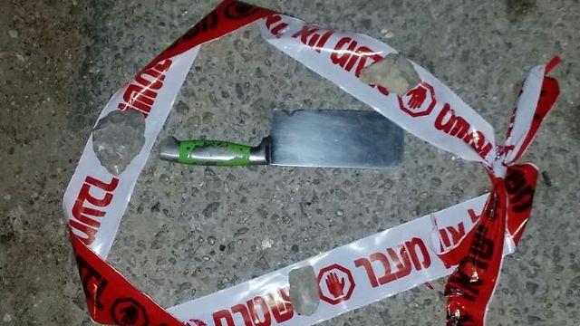 """סכינו של המחבל, הלילה (צילום: דובר צה""""ל)"""