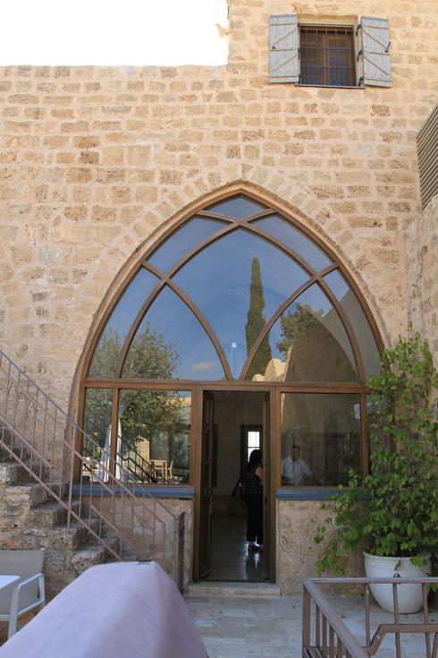 חאן זרעוניה, היום בית פרטי שעבר שימור (צילום: מועצה לשימור אתרי מורשת בישראל, נטע רוזנבלט)