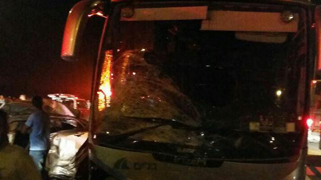זירת התאונה בכביש 31 (צילום: דוברות כבאות והצלה נגב) (צילום: דוברות כבאות והצלה נגב)
