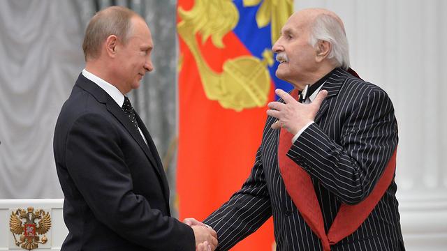 זלדין בשנה שעברה בקרמלין, כאורחו של הנשיא פוטין (צילום: AP) (צילום: AP)